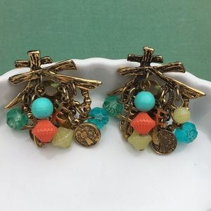 VINTAGE- Oriental themed gold clip on earrings